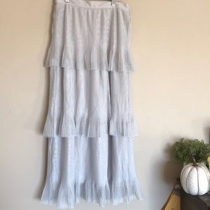 Lauren Conrad LC gray white tiered tulle skirt